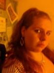 Melissa, 21  , Petersburg