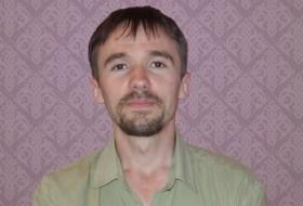 Vladislav Kovalyev, 38 - Just Me