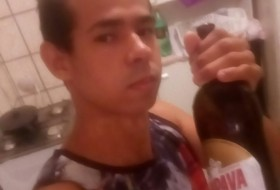 Leandro, 25 - Just Me