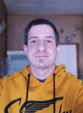 Laci, 37, Hungary, Gyal