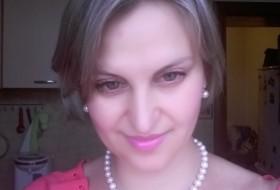Nataliya, 45 - Just Me