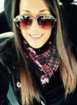 laura, 35  , Franceville