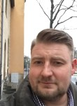 Josch, 41  , Luxembourg