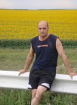 vitaliy, 44, Moscow