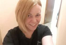 Liza, 38 - Just Me