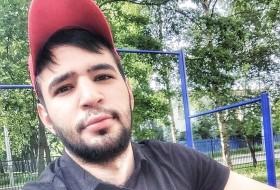 Makhmud, 25 - Just Me