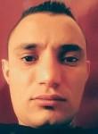 Nabil, 30, Tunis