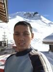 KoMyo, 24  , Carouge