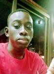 Idrissa, 18  , Libreville