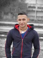 Cosmin , 21, Romania, Victoria
