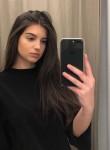 Sara, 18  , Rueil-Malmaison