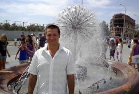 Dmitri, 38 - Just Me