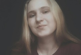 Elena, 18 - Just Me