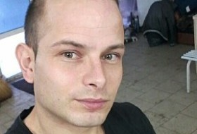 Stefan, 25 - Just Me