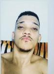 Rodrigo Barbosa, 24, Salvador