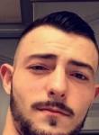 Deroubaix, 25  , Halluin