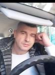 Roman, 43  , Berlin
