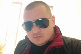 Vlad, 28 - Just Me