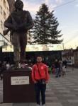 Enis, 20  , Tirana