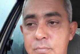 Carlos, 49 - Just Me