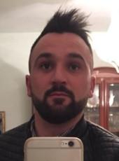 Luigi, 29, Italy, Crotone