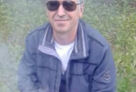 Rinat, 54 - Just Me