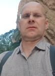 Vladimir, 45  , Saint Petersburg