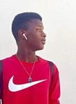 Ousseynou, 21  , Pikine