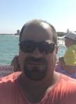 Milan-nina, 47  , Peer