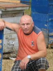 igor, 54, Russia, Artem