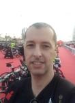 Mike , 45  , Lisbon