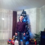 Sergey, 64  , Kiev