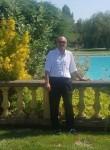 Claude, 50  , Marseille 11
