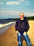 Aleksandr , 66  , Saint Petersburg