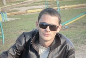 Eduard, 30 - Just Me