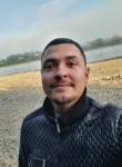 Serj, 28  , Munich