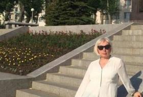 Lana, 51 - Just Me