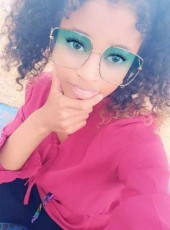 Rachima, 20, Comoros, Moroni