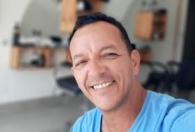 José Henrique , 46 - Just Me