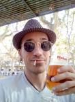 Roger, 36  , Barcelona