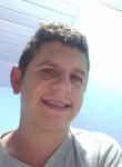 Thiago , 18  , Joinville
