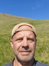 Yuriy, 60, Russia, Beryozovsky