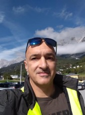 Ettore, 47, Italy, Bologna