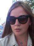 Elina Claire , 30  , Boulogne-Billancourt