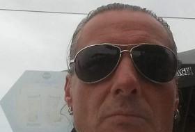Dirk, 51 - Just Me