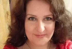 Alyena, 34 - Just Me