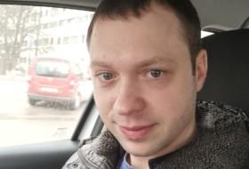Anton Novitskiy, 32 - Just Me