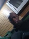 Hamadou, 33  , Douala