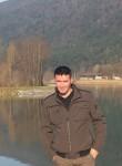 Leon, 31  , Pristina