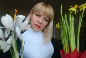 Oksana , 34 - Just Me